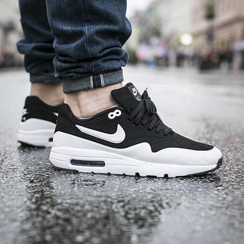 nike-buty-air-max-1-ultra-moire-black-white-705297-001